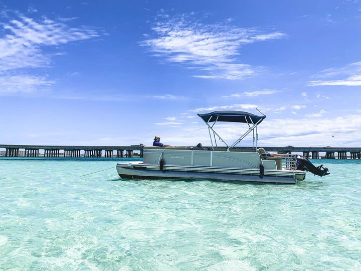Pontoon Boat Rentals (Half Day/4Hour)