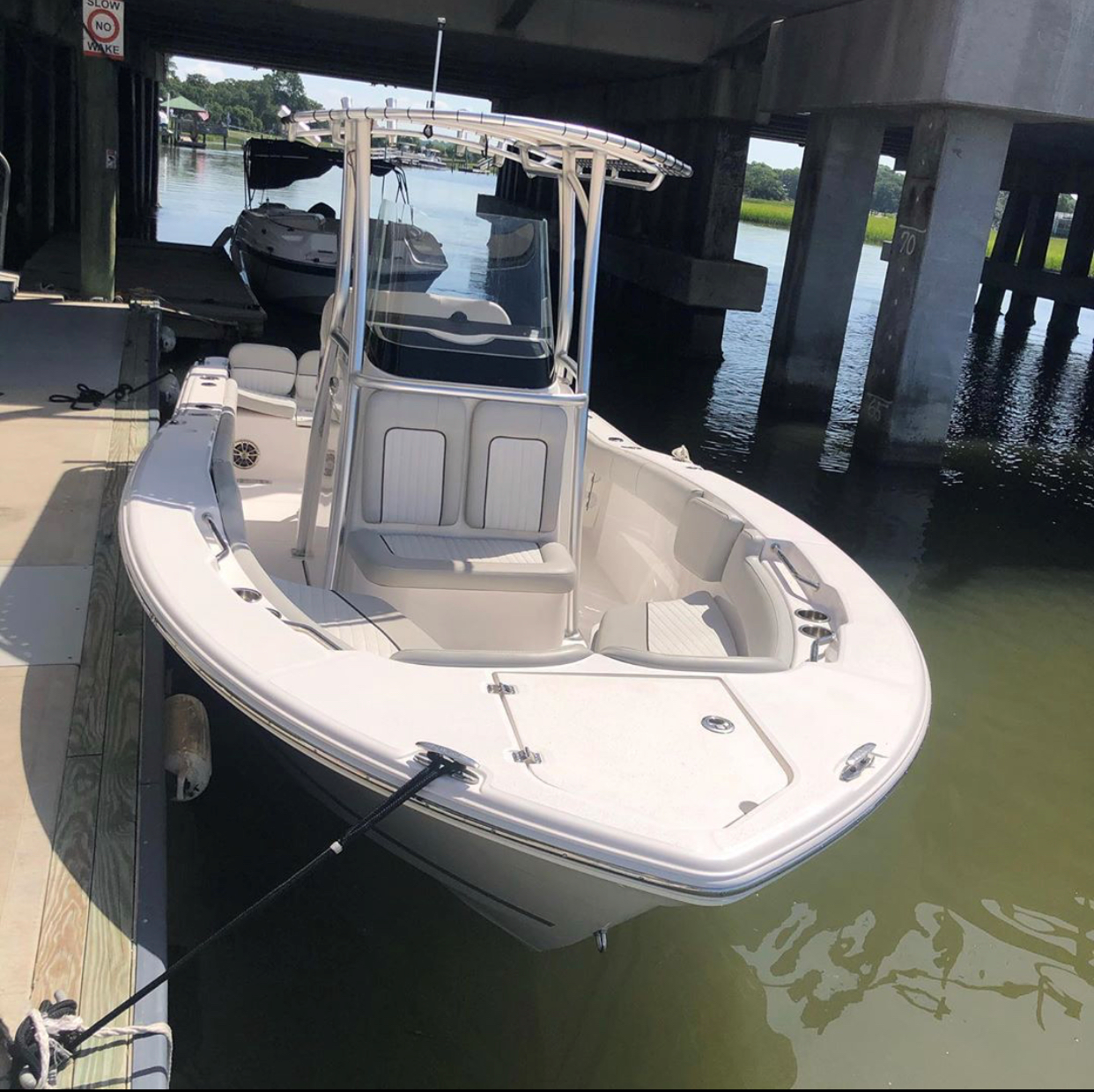 22' Center Console Rental 2